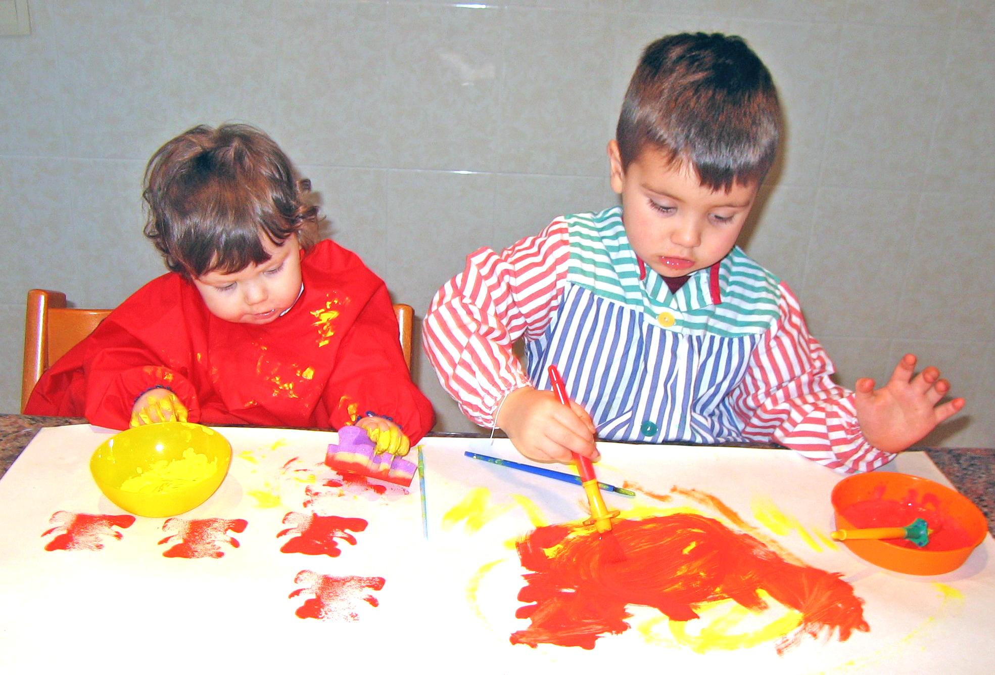 Quitar las manchas de pintura de la ropa de los ni os - Como quitar las humedades de la pared ...