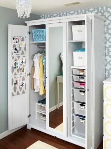 Ordenar la ropa en el armario