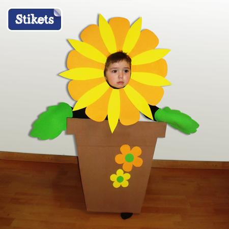 Hacer disfraz de flor con material reciclable - Imagui