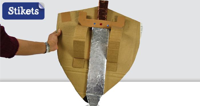 Cómo hacer un escudo de cartón. trasera