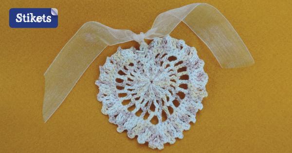 Manualidades de crochet. Corazones para bodas